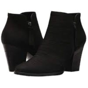 Paul Green Black Nubuck Malibu Booties Size 8
